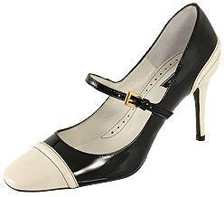 El zapato bicolor de Chanel en Zara