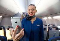 Los auxiliares de vuelo de United llevarán un iPhone 6 Plus en el bolsillo