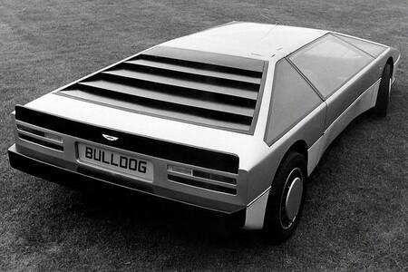 Aston Martin Bulldog 4