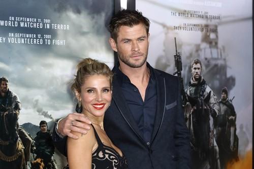 Elsa Pataky, de vacaciones con Chris Hemsworth, una pareja que se trata con cariño en público (y sí eso es noticia)