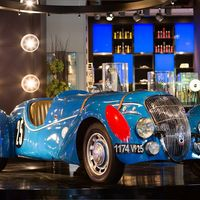 Peugeot 402: un icónico modelo cuya trayectoria fue bombardeada por la II Guerra Mundial