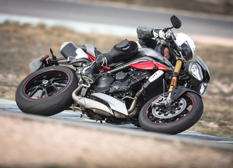 Foto de Triumph Speed Triple 2016 (26/33)