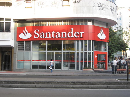 Banco Santander no quiere compensar a los clientes del Popular, quiere captarlos. Claves para entender la jugada de Botín