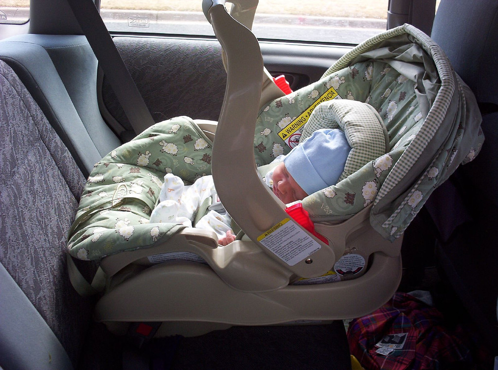 cuando cambiar d silla de auto bebe