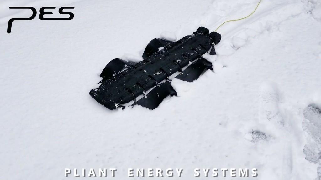 Cuando la tecnología imita a la naturaleza surgen maravillas como este robot con aletas onduladas que se mueve por tierra y agua