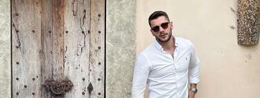 Siete camisas blancas (con una dosis justa de color, estampados y logos) para actualizar el look de regreso a la oficina