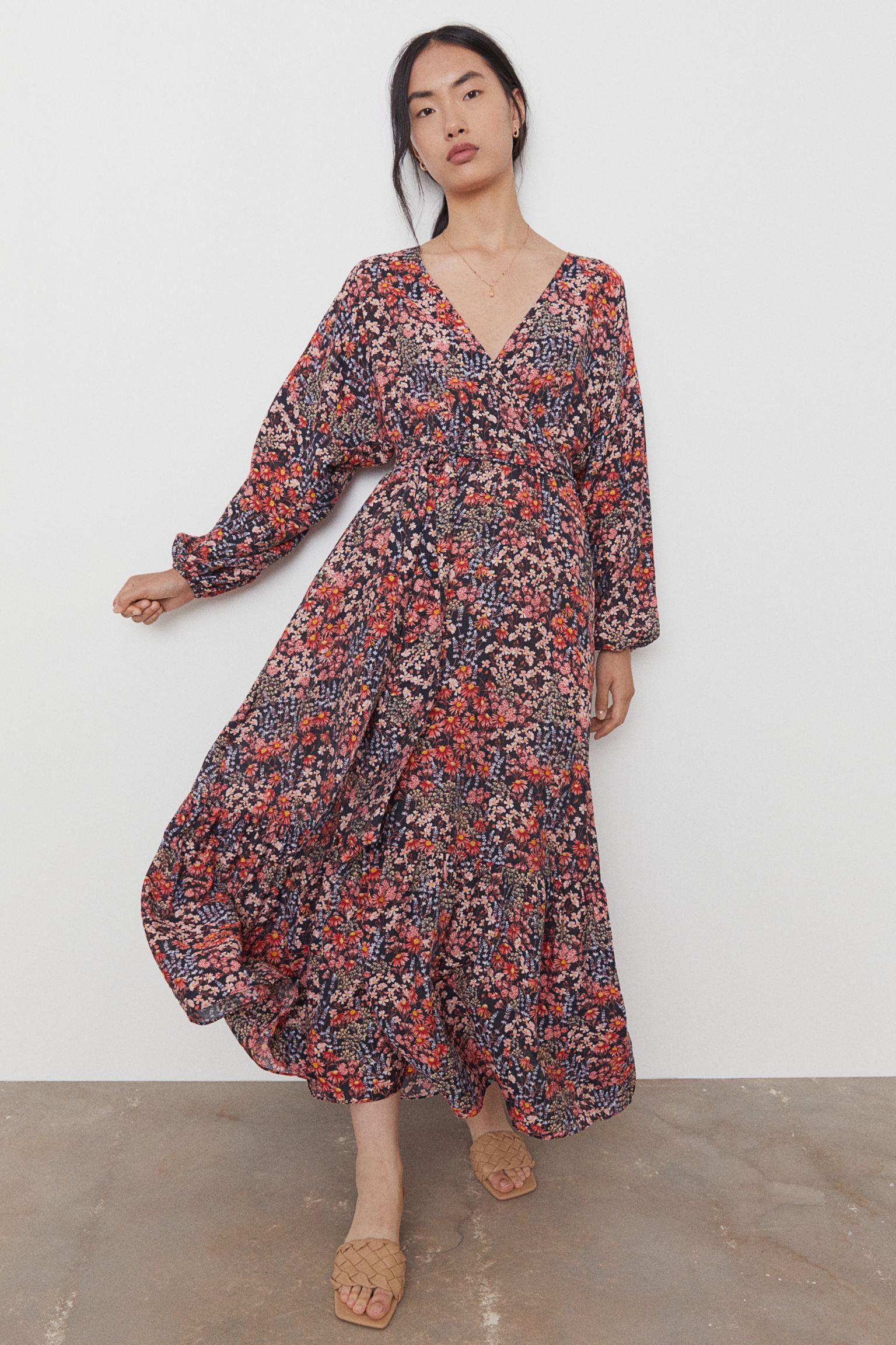 Vestido tobillero con escote de pico de flores