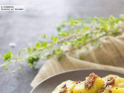 Ensalada templada de patatas y tomates secos. Receta