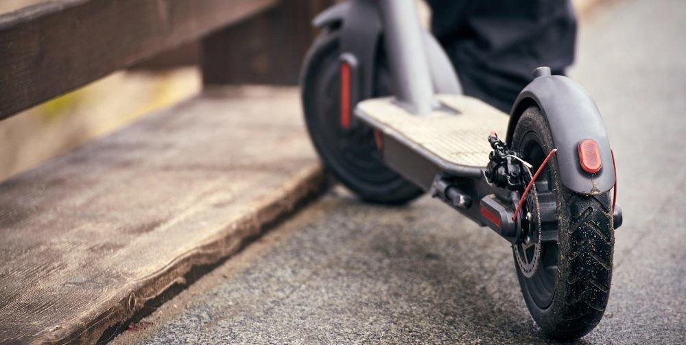 Mi estrambótica aventura intentando cambiarle el neumático a mi patinete eléctrico