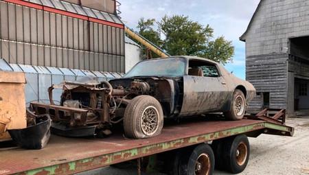 Este Pontiac Trans Am con el que Steve McQueen rodó 'The Hunter' ha pasado 39 años escondido en un granero...
