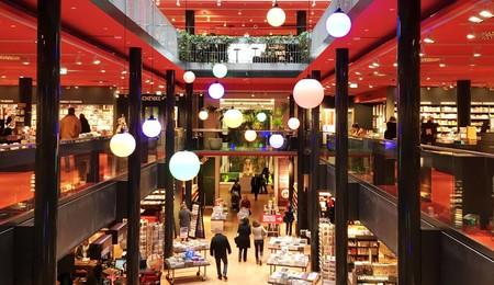 Dussmann Das Kulturkaufhaus Zentrale Innenansicht