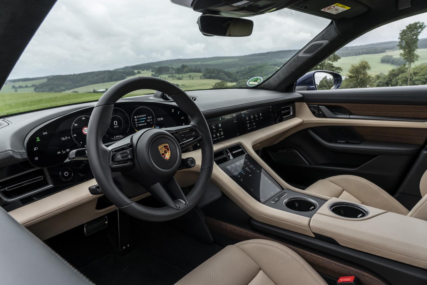 Foto de Porsche Taycan prueba contacto (98/275)