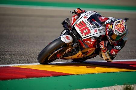 Takaaki Nakagami muestra el músculo de Honda batiendo a Maverick Viñales en el regreso de MotoGP a MotorLand