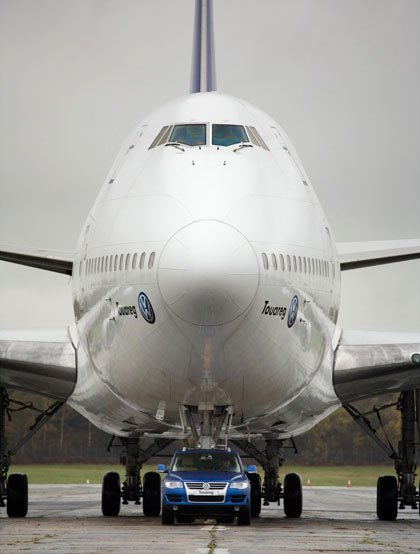 El Volkswagen Touareg V10 TDI puede con un Boeing 747