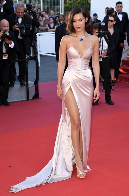 Looks Alfombra Roja Vestidos Sexys Bella Hadid Modelo Celebrity 8
