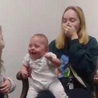 Las más tiernas carcajadas de una bebé sorda al oír por primera vez