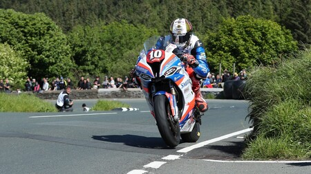 ¡Sorpresa! El TT de la Isla de Man se podrá ver en directo por televisión a partir de 2022