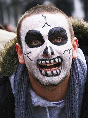 Maquillaje De Halloween Para Hombre Muerte - Maquillaje-zombie-hombre