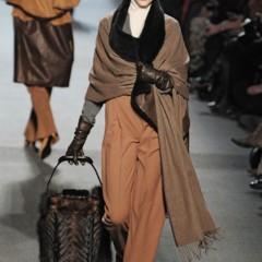 Foto 22 de 27 de la galería jean-paul-gaultier-otono-invierno-20112012-en-la-semana-de-la-moda-de-paris-el-lado-sexy-del-estilo-ladylike en Trendencias