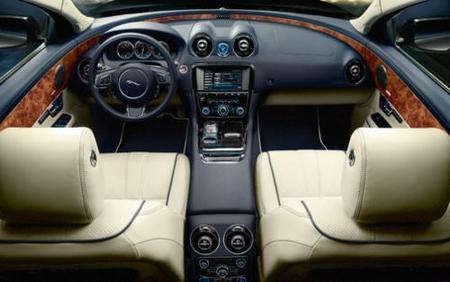 d2010 Jaguar XJ
