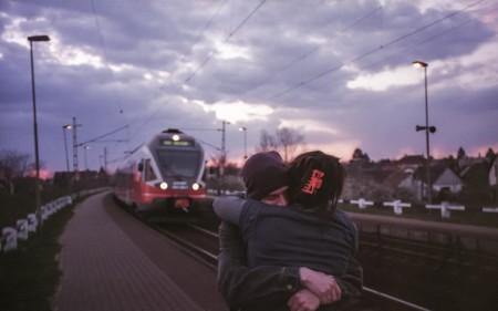¿Se puede tener éxito en una relación a distancia en el siglo de las RRSS?