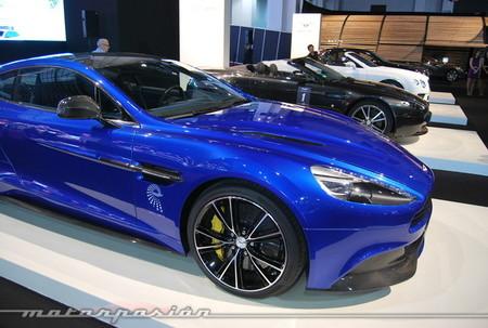 Varios Aston Martin y Bentley