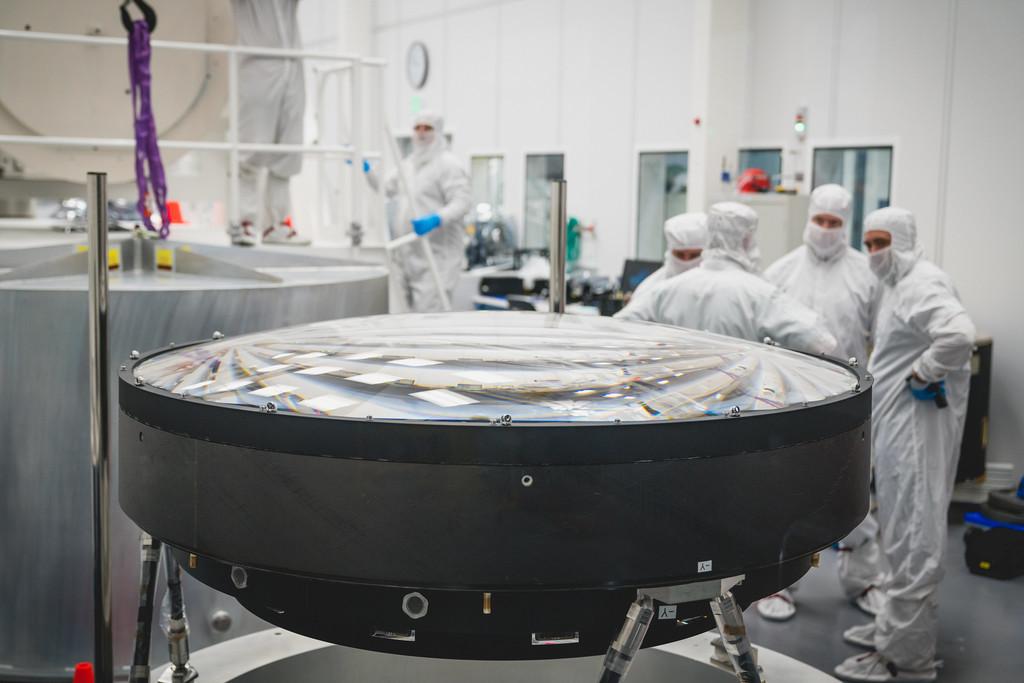 3.200 megapíxeles y 3 toneladas de peso: es la lente mas abultado del planeta y ayudará a estudiar la formación de galaxias