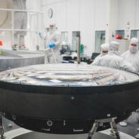 3.200 megapíxeles y tres toneladas de peso: es la lente más grande del mundo y ayudará a estudiar la formación de galaxias