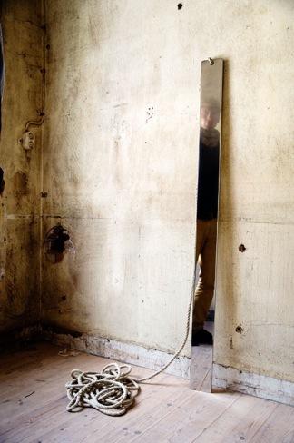 Foto de Dorian Gray, muebles góticos de Bobby Petersen (4/5)