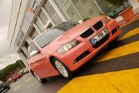 """Pudracar: el taxi ideal para """"ellas"""" (cómo no, rosa)"""