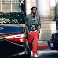 Chadwick Boseman, estrella de 'Black Panther' domina a la perfección el estilo athleisure para Mr. Porter