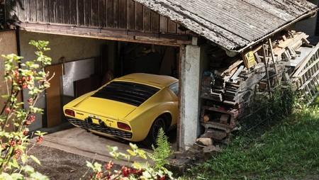 A subasta un Lamborghini Miura hallado en granero