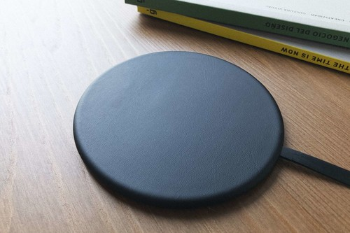 Super Thin Wireless Charger de Peel: tan fino que cuesta creer que sea un cargador inalámbrico para iPhone