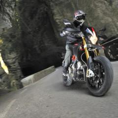 Foto 19 de 30 de la galería aprilia-dorsoduro-factory-2010 en Motorpasion Moto