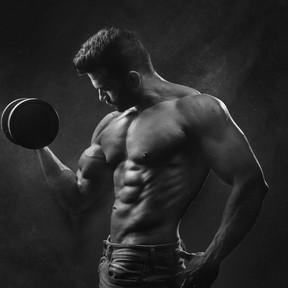 ¿Quieres ganar músculo? No sólo proteínas necesitas en tu dieta: cinco nutrientes clave