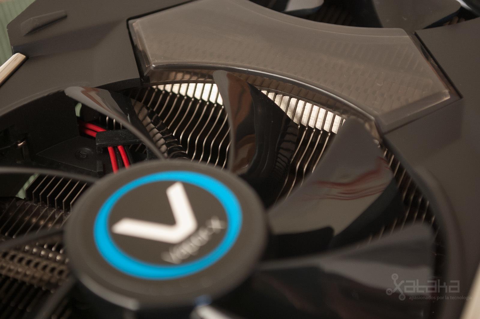 Foto de AMD R9 280X, análisis (6/14)