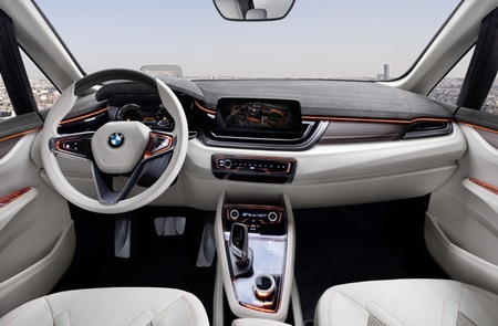 BMW Concept Active Tourer 04