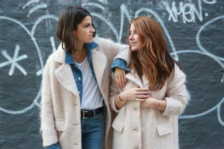 Duelo de estilos: el abrigo rosa de H&M es el peluche favorito de las bloggers