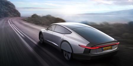 Lightyear One es un espectacular coche solar con 725 km de autonomía y un precio de escándalo, 149.000 euros