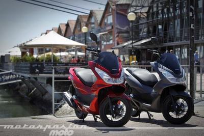 Honda PCX125 prueba (conducción en autopista y pasajero)