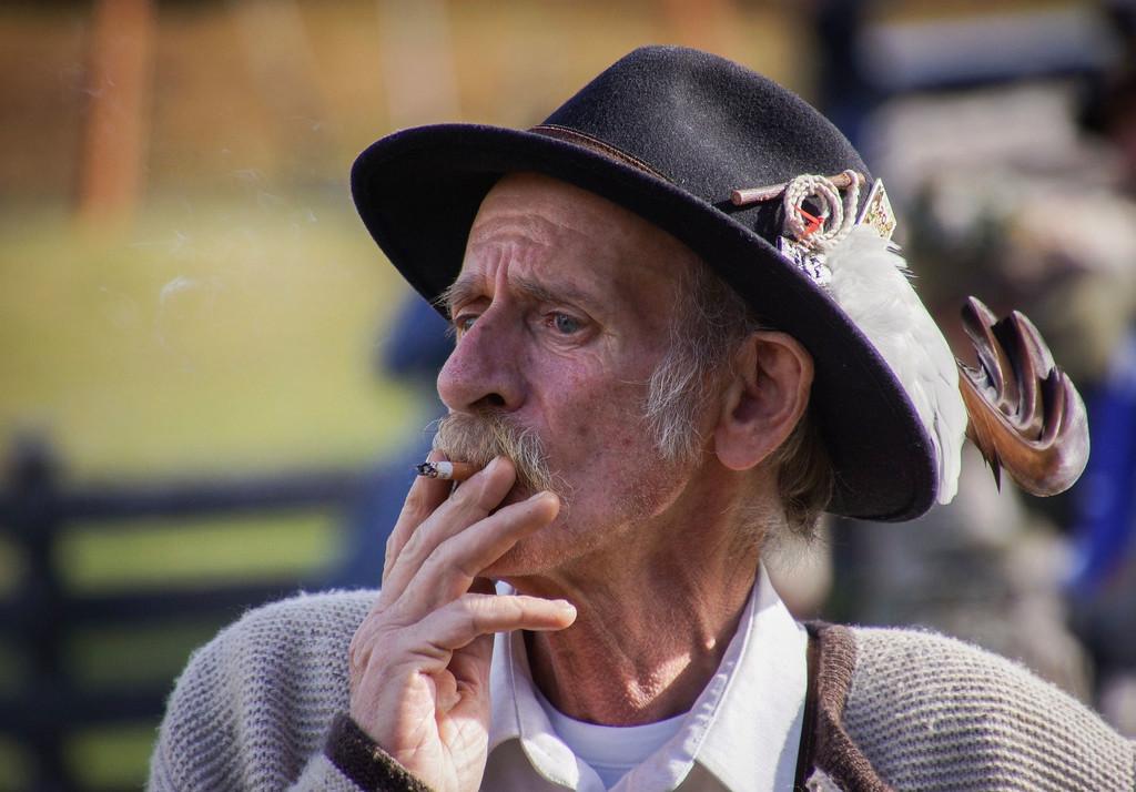 Subir la edad mínima para fumar inclusive los cien años: la mas reciente proposición que votará Hawaii para terminar con el tabaco
