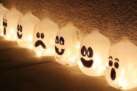 Recicladecoración: ilumina con botellas de plástico en la noche de Halloween