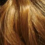 ¿Por qué las mujeres suelen tener más pelo que los hombres?