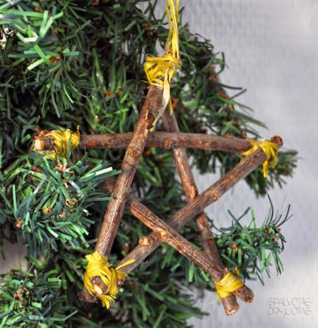 Estrella con ramitas de árbol