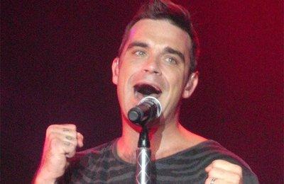 Robbie Williams, te van a lavar la boca con lejía y estropajo