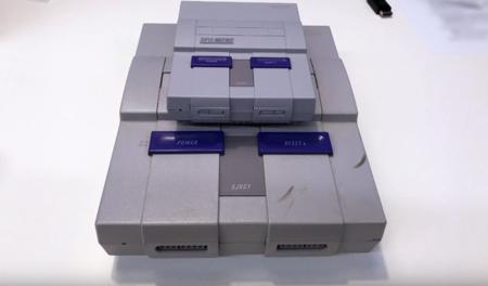 Un vídeo comparativo de la SNES Mini nos muestra al detalle el tamaño de la consola y sus accesorios