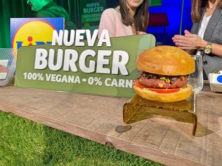 Lidl lanza su hamburguesa vegana Next Level Burger: así es su sabor y sus valores nutricionales