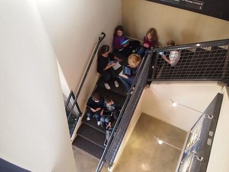 Esta es la actitud correcta frente al ciberbullying entre alumnos de Secundaria: la responsabilidad del centro