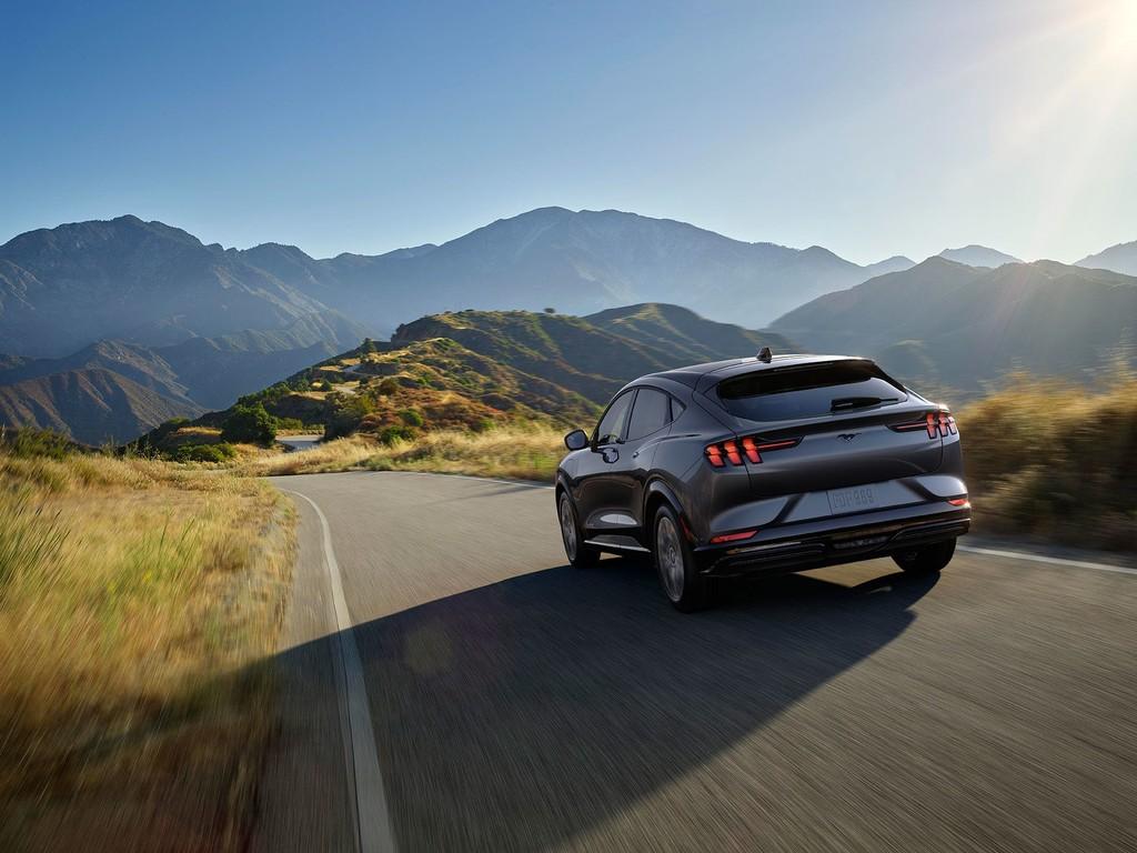 El Ford Mustang Mach-E pone prueba sus 540 km de autonomía, y termina con 484 km recorridos y un 14% de batería restante