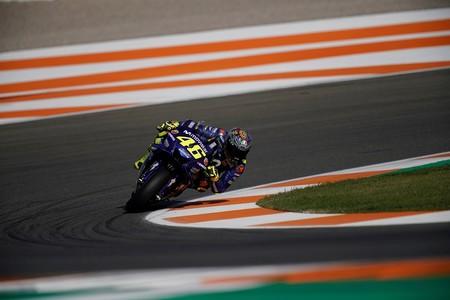"""Valentino Rossi: """"Tenemos dos motores diferentes pero los tiempos son parecidos"""""""